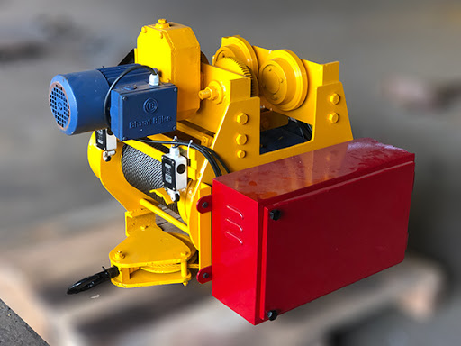 What is an electric wire rope hoist?